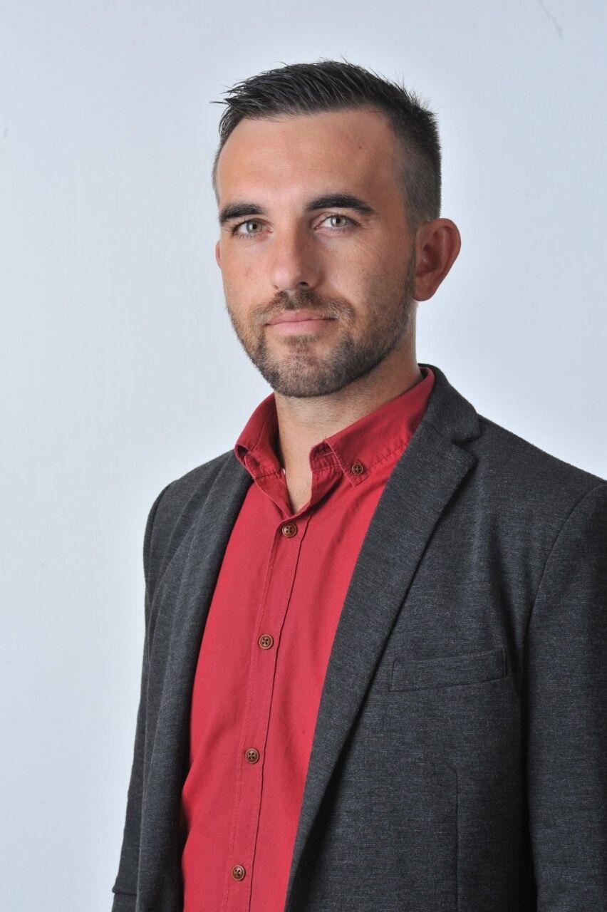 Общински съветник Кръстьо Ливров пред сайта на Строево - Stroevo.com